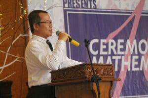 Dekan FST memberikan sambutan dan membuka acara Milad Matematika.