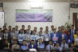 Foto bersama para peserta dan pemenang.